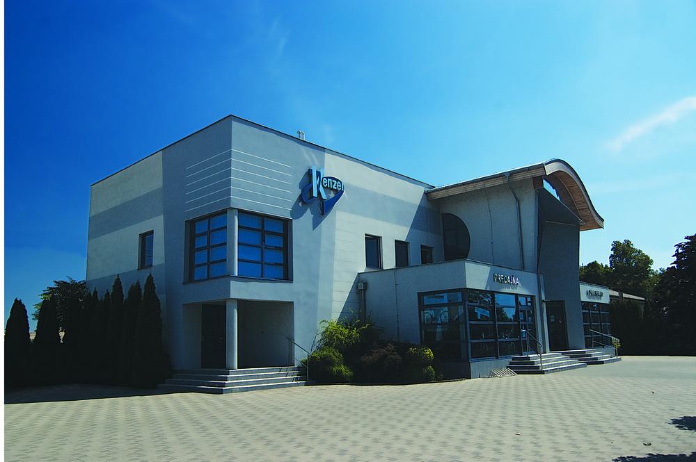 kenzel budova